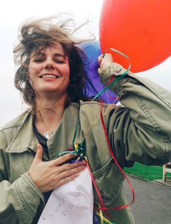 Ich lasse Luftballons mit Wünschen steigen